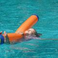 Sienas Lieblingsbeschäftigung: stundenlang im Pool rumplantschen