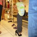 Schuhe anprobieren im ALDO