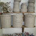 Produkte aus der Werkstatt in Villa Altagracia, alles aus Zeitung hergestellt!