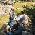 Manel, Angel i Andreu al riu Brugent. Introducció als filtres ND. (foto Oscar)