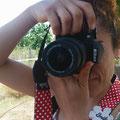 Con Sara no pudimos evitar alguna carcajada ante respuestas un tanto particulares que quedaran en la privacidad...  Curso básico de Fotografía digital. Foto: Andreu Gual