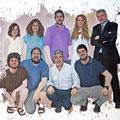 """Trabajdores del """"Diari Mes"""" para la ejecución de un magistral cuadro a cargo del artista Menpo. ( http://www.menpo.es/ ) . Fotografia Andreu Gual (quadre)"""