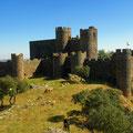 História: Espectacular Castillo-Fortaleza S.XII-XIII., con una de las vistas más espectaculares de Extremadura