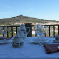 Amplia Terraza-mirador exterior, posible uso para desayunos, comidas y cenas.