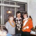 Jahr 1985: Schützenkönig: Kagerer Gottfried, Wurstkönigin: Heuwieser Elfriede, Brezenkönigin: Weißacher Gabi