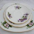 Vintage Porzellan aus England. Teegedeck und Kuchenplatte Mix & Match