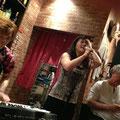 最後のライブ、今井さんの地元、平塚の「いしけん」さんにて。  今井さんとCelsinhoのトリオ。。。とても息の合った、良い内容だったと感じています。