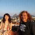 スタジオの屋上でスナップ写真撮影! 夕日が眩しい〜〜!