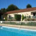 Vue de la pisicne sur location- La Garrigue Dordogne