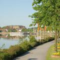 """Das """"Riva"""" liegt diekt an der Schlei-Promenade, die Sie auch bis in die Schleswiger Altstadt führt."""