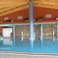 Indoor-Spa mit Sprudel, Sauna , Jakuzi