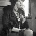 Foto di Fabio Berg che ritrae la costumista Yvonne Vionnet nella sua interpretazione dell'epoca