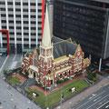 Zwischen Vogelperspektive und Aufsicht: Brisbanes St John's Casthedral wirkt wie ein Spielzeug.