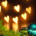 Zweiter Platz: Fest der Liebe in allen Variationen von Christian J. Durch den Einsatz der Bokeh-Technik konnte ein stimmungsvolles und technisch anspruchsvolles Bild geschaffen werden.
