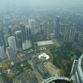 Blick von den Petronas Towers auf Kuala Lumpur