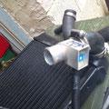 Thermoschalter wird in den Kreislauf am Kühlerausgang angeschlossen und ist frei einstellbar. bei mir jetzt auf 90Grad