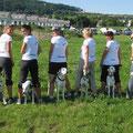 Dalmi Team (vlnr: Manuela mit Jérôme, Chiara mit Vasco, Magrit mit Boogie, Veronica mit Lucy, Malaika mit Diva und Gabriela mit Belaya)