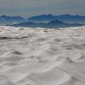 7月中旬・位ヶ原の残雪
