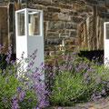 Villa nuova-Manufaktur: Windlicht aus Holz mit Glaseinsätzen