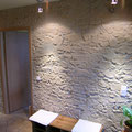 Wandgestaltung mit Kunststeinpaneel M-053 Trockenstein ocker