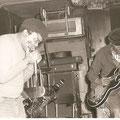 Mojo Buford 1929-2011 | Harp | Er verkörpert den schwarzen Blues. Mojo (Kumpel von Muddy) war 1998/99 im Du Rhone Gampel wo er um mein T-Shirt fragte und genussvoll übers Wochenende ein Dutzend Schoggulabritter verdrückte.