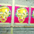 15.05.2016 - Der Totenkopf als uraltes Symbol der Vergänglichkeit. Anders der Kopfhörer, Musik vergeht nie. Elvis lebt - allerdings nicht in Jeizinen ;-)