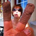 08.08.2014 - Wenn Dir ein Mann mit solchen Bandagen an den Fingern begegnet! Er schindelt!