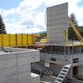 14.05.2014 - Das biä-neetär wird zwar ein Holzhaus aber vorerst Beton, Ecken und Kanten soweit das Auge reicht. Ein passionierter Bautyp findet daran halt enorm Gefallen.