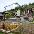 20.05.2014 - Die letzte Betonieretappe, 20 m3, grosse Pumpe, wieder einmal ein 12 h Tag, es lohnt sich.
