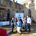 Das Team des YCBL zur Siegerehrung vor Schloss Radbaud