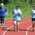 Ausdauer waren gefragt bei (von links) Gerda Fuchs, Manuel Blischke und Sylvia Hoh, die ihr Runden drehten.