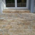 Terrasse aus Betonsteinplatten