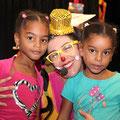 """Spectacle """"Marie Poppins et Lili Popi découvrent la Guadeloupe"""" offert aux enfants par l'association Amaryllis Outre-Mer dans le cadre de """"La Journée Mondiale de l'Enfance"""" le 20/11/14 à la Maison de la Culture """"Gilles FLORO"""" à Gourbeyre"""
