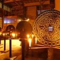 Ausstellung Sonis - Aureus. 2004. In Zusammenarbeit mit der PR Agentur IN-Communication und Julyan Layn.Holzscheiben, gebrannt und mit Gold verziert