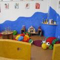 キッズコーナー。職人が塗った壁に注目!