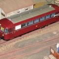Grosserien Spur 0 Schienenbus Baureihe VT 98 des Modelleisenbahn Herstellers Lenz Elektronik auf dem Firmeneigenen Modul des Modelleisenbahn Herstellers Hermann der in der Schweiz die Firma Lenz Elektronik vertritt.