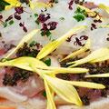 尾長鮪とイカソーメンの彩り野菜飾り とんぶり入りオニオンドレッシング