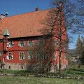 Haus Wenge, Dortmund - Lanstrop im Hintergrund kath. Kirche St. Michael | 04/2015
