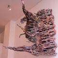 """""""Brainstorm"""", 2006-2012 Pappmaché, Kupferdraht, Leinen, Seide, farbig gefasst 160 x 180 x 110 cm"""