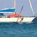 vor Anker in der Bucht bei Marinella