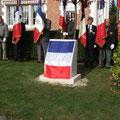 Avant le dévoilement de la stèle en hommage à Henri de Rancourt