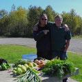 Bruce versorgt uns mit Gemüse aus seinem Garten