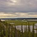 Ausblick auf das Mackenzie Delta am Chii Vitaii Lookout