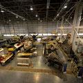 Air and Space Museum-In der Mitte ein Unikat der Gebrüder Horten. Der erste Stealth-Bomber der nicht mehr in Serie ging