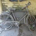 eingestaubte Fahrräder