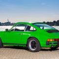 Porsche 911 im Rostocker Stadthafen