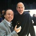 亡くなったアップルのジョブズ氏、ソフトバンクはAppleスマホ独占