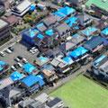 震源地 高槻を中心に活断層帯の家屋の屋根にブルーシート