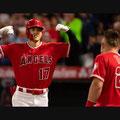 本塁打 スーパースタートラウトに迎えられる。