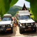 Inge & Mathjis mit dem Nissan Patrol von Ilse & Joep